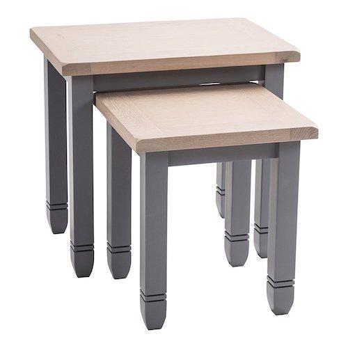 Juego de 2 mesas nido de madera y patas grises